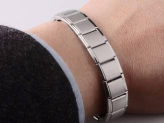Therapeuten Therapie met magneet armbanden voor een gezonder leven