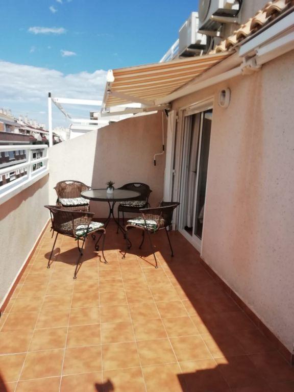 Penthouse, ruim terras, zwembad in het zonnige Torrevieja